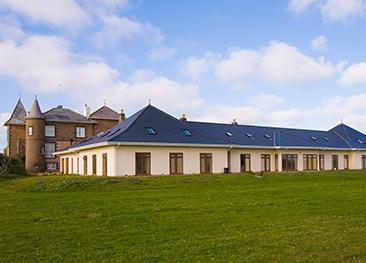 Chateau Grandes Rocques Apartments